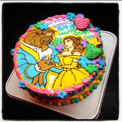 美女と野獣のキャラクターケーキ