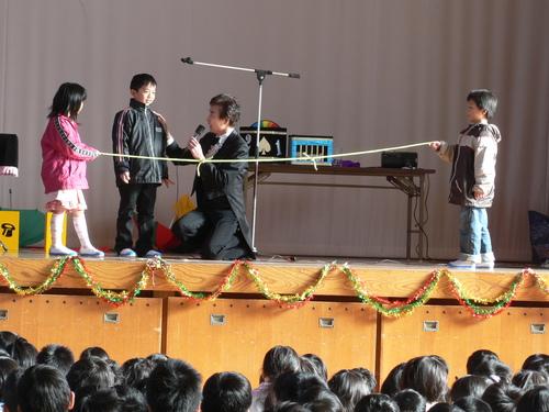 小学校イベント低価格派遣企画会社マジックショー
